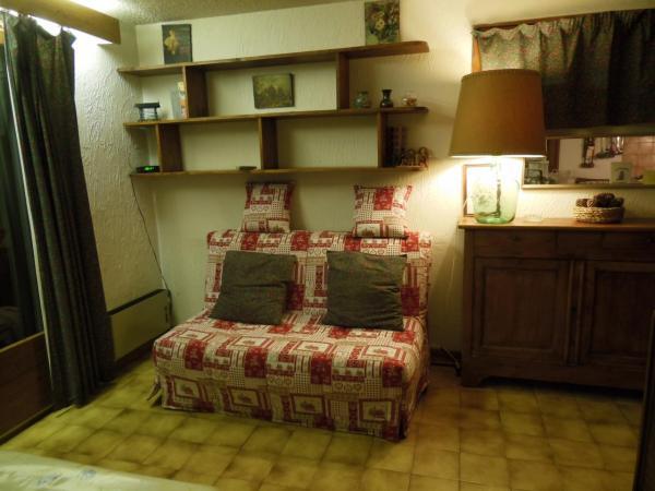 canap lit bz 140x195 dans le s jour. Black Bedroom Furniture Sets. Home Design Ideas